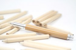 Eco-Essential Pencil: mechanical pencil with a 0.5mm Japan-made mechanism core.